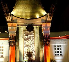 GROMANN'S  CHINESE THEATER  by loyaltyphoto