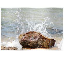 sea hitting a rock Poster