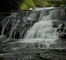 Leura cascade flows by donnnnnny