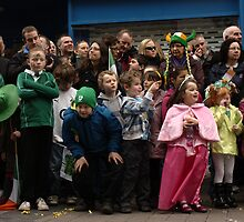 St. Patrick's parade crowd by contradirony