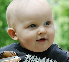 Blue Eyed Baby Boy by kneff