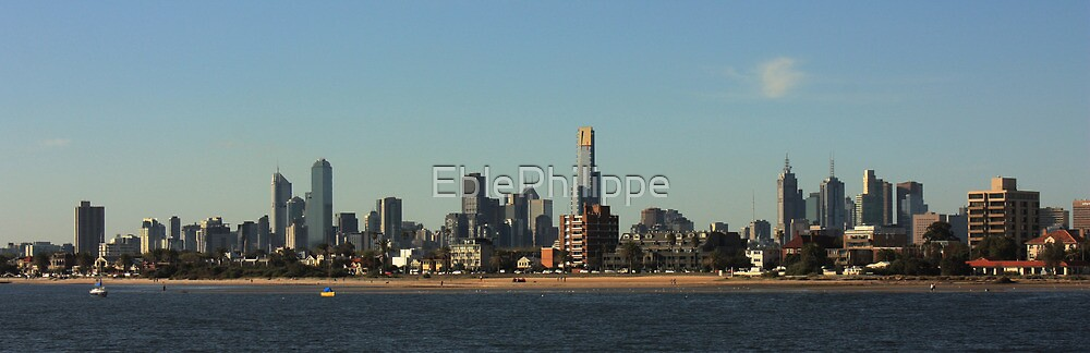Melbourne skyline by EblePhilippe