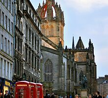 Evening Stroll on the Royal Mile by Tiffany Dryburgh