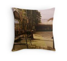 CHAIR UMPIRE Throw Pillow