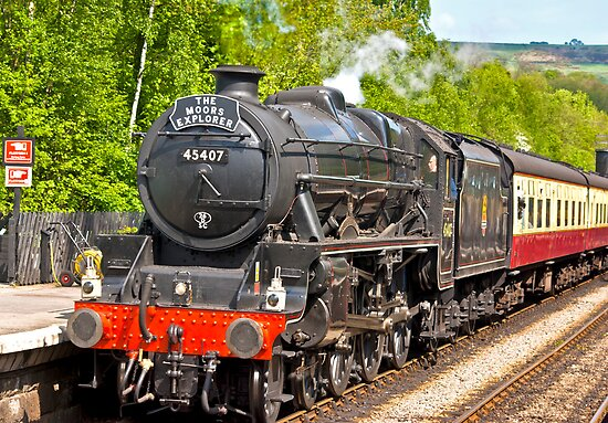 The Moors Explorer at Grosmont by Trevor Kersley