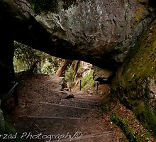 Hanging Rock by mehrzad87