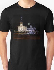 Quebec Parliament & Tourny Fountain T-Shirt