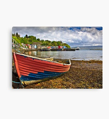 Old boat in Tobermory harbour Canvas Print