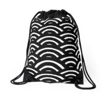 Black and White Scallop Drawstring Bag