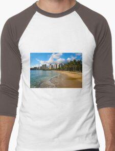 Hawaii - Oahu Island, Honolulu Waikiki Beach Panorama Men's Baseball ¾ T-Shirt