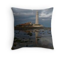 St Marys Lighthouse, Whitley Bay Throw Pillow