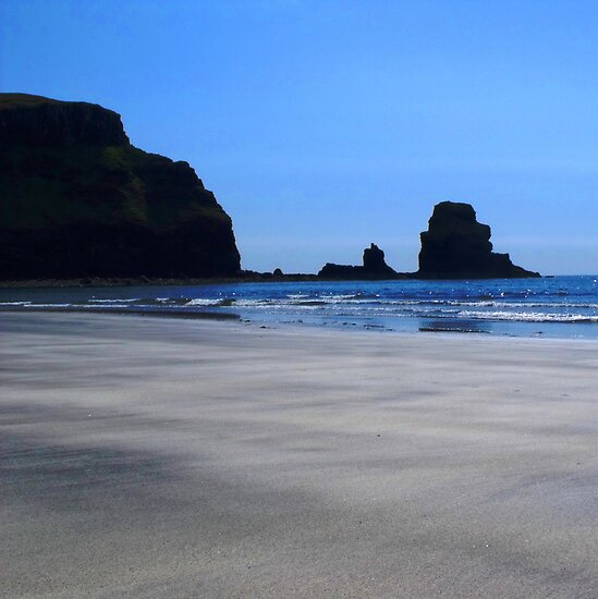 Beautiful Beach by charlylou