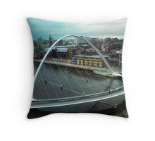 Newcastle/Gateshead Millenium Bridge Throw Pillow