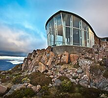 Mt Wellington Lookout, Tasmania, Australia by Matthew Stewart