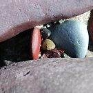 rock crevice by linsads