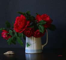 Roses and Shell by Gilberte
