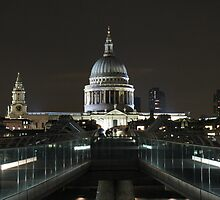 St. Paul's Cathedral from Millenium Bridge by Andre090904