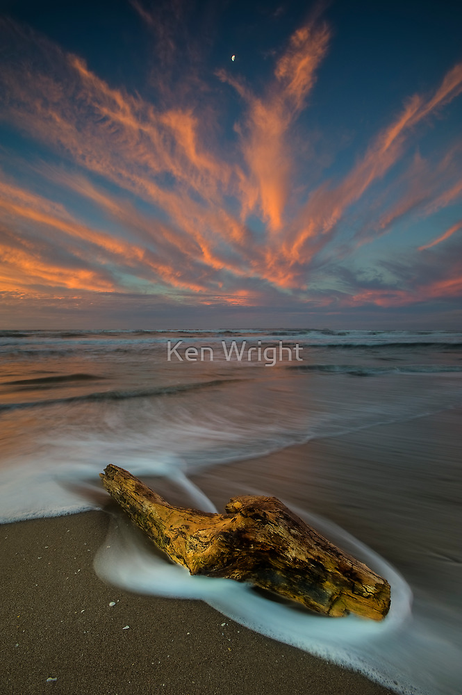 Papamoa Electric Dusk by Ken Wright