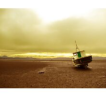 Boat at low tide Photographic Print