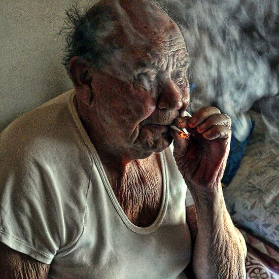 Street Photography: Smokin' by JaninesWorld