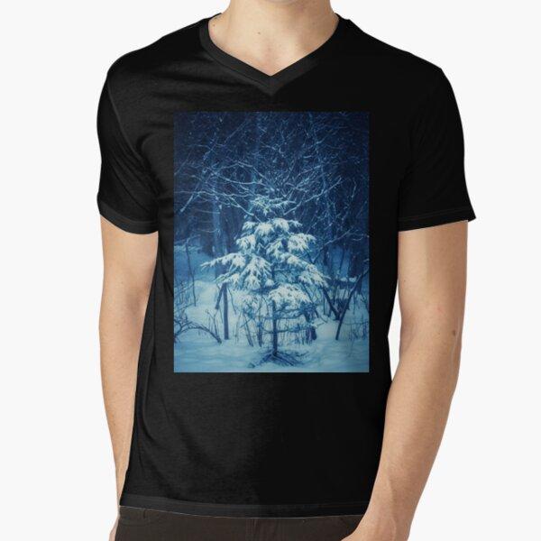 Charlie Brown Christmas tree V-Neck T-Shirt