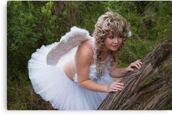 The Angel from Heaven by Froggie