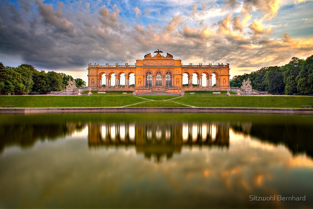 Gloriette by Delfino