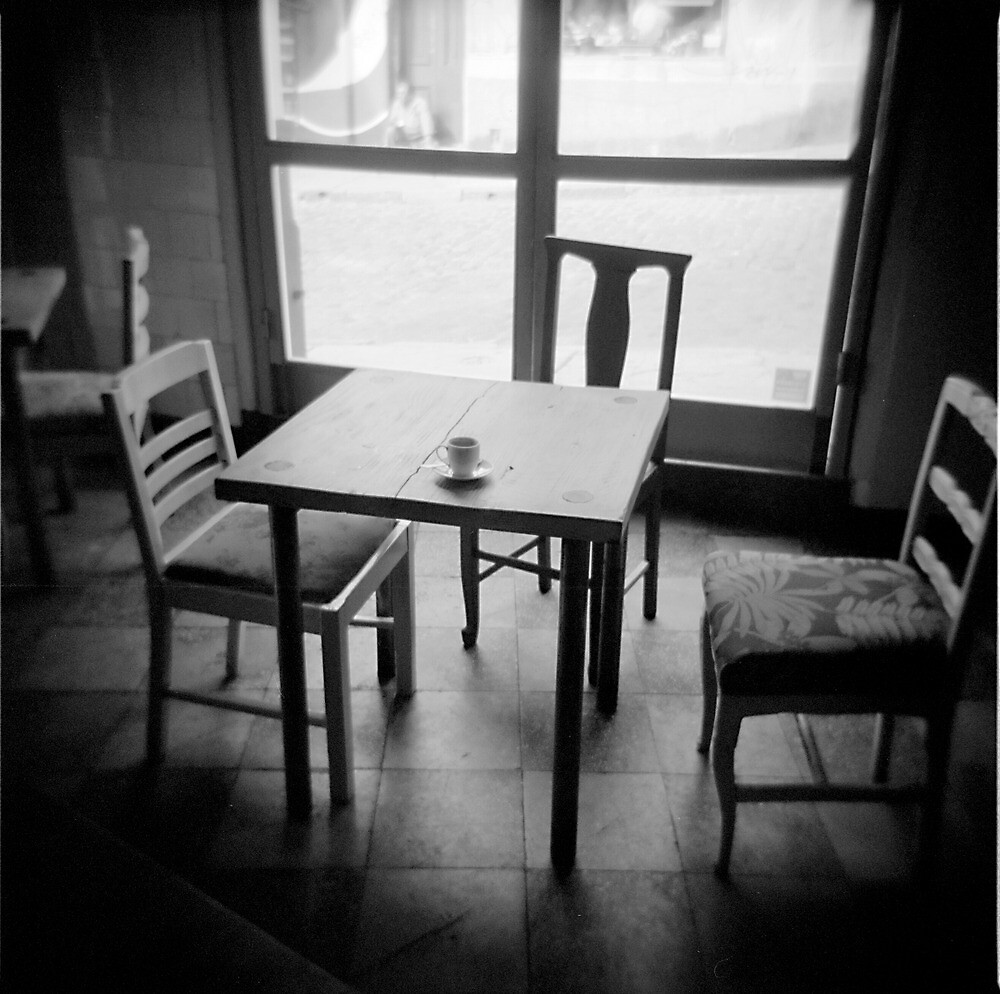 Coffee cup, cafe, Valparaiso, Chile by David Pillinger