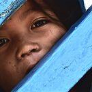 Cambodge - Regard d'enfant by Jean-Luc Rollier