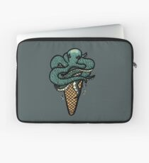 Octopus Cream Laptop Sleeve
