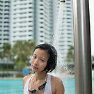 Artist By the Pool Photo by Vicki Lau