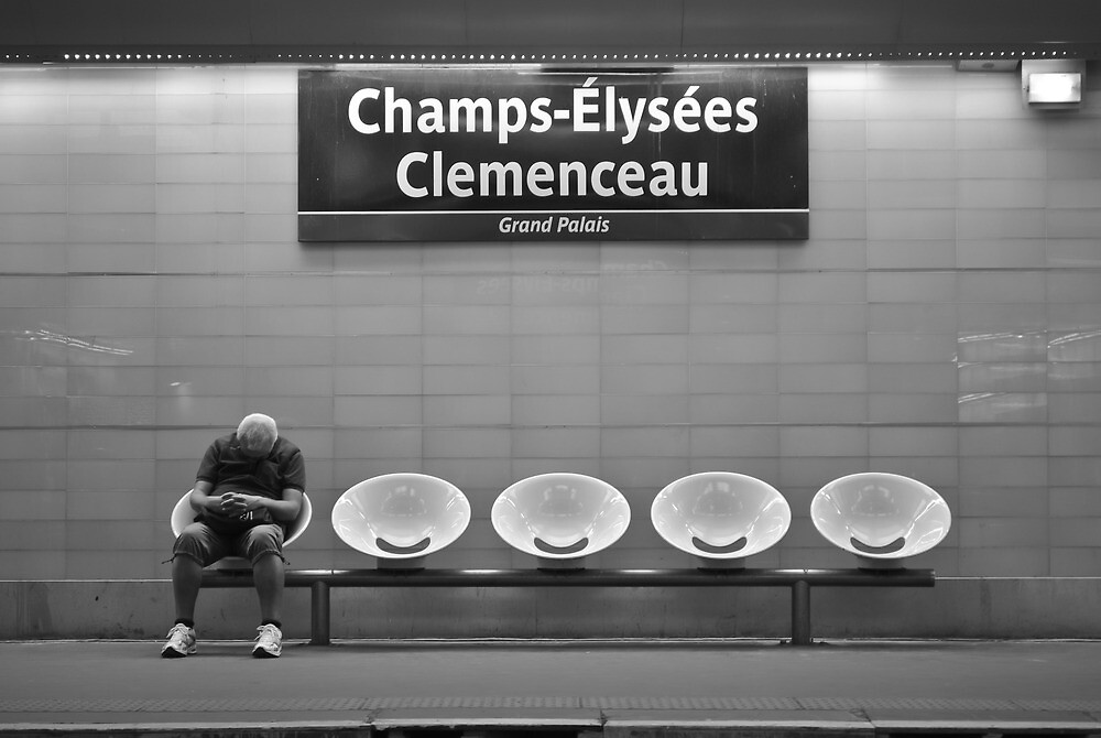 Waiting for The Metro by aalfath