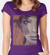 Huntress Women's Fitted Scoop T-Shirt