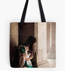 Alice Madness Return - Hide Tote Bag