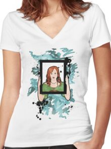 I Am No Masterpiece Women's Fitted V-Neck T-Shirt
