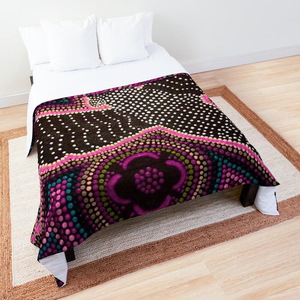Black cockatoo - pink dreaming  Comforter