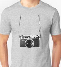 Vintage 35mm Rangefinder Camera Yashica Electro 35 GSN Slim Fit T-Shirt