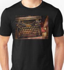 Steampunk - Just an ordinary typewriter  Unisex T-Shirt