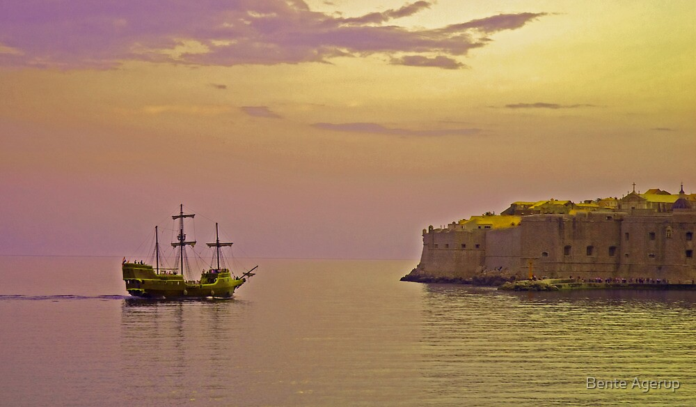 Pirates in Dubrovnik by julie08