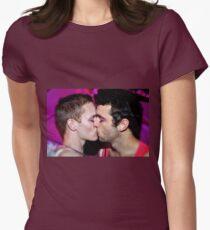 Kiss Tailliertes T-Shirt für Frauen