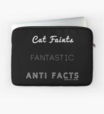 Fantastic Cat Faints Laptop Sleeve
