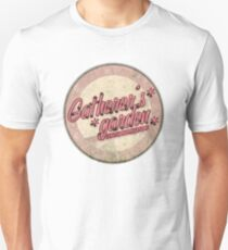 BioShock – Gatherer's Garden Genetic Modifications Logo (Subtle Pink) T-Shirt