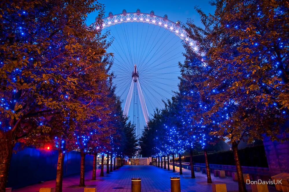 The London Eye - Dawn Light. by DonDavisUK