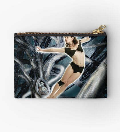 Arual the Elf loves owls Studio Pouch