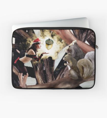 Marry Christmas - Squirrel girl Laptop Sleeve