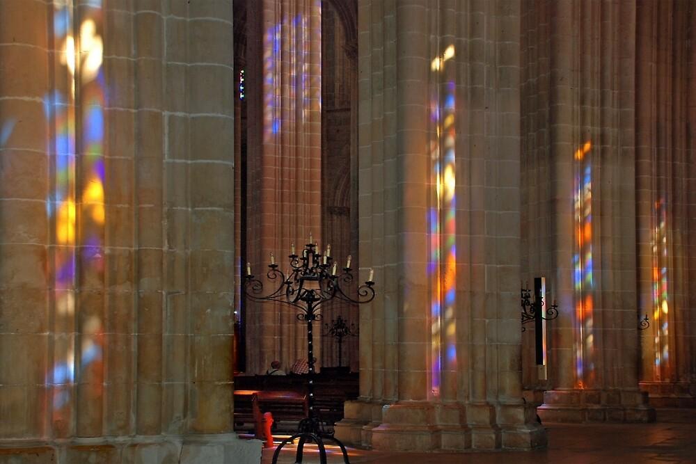 Reflections on pillars by Arie Koene