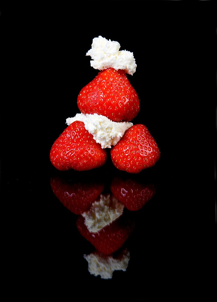 Strawberry & Cream pyramid by andyw