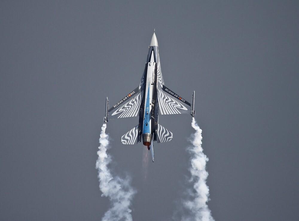 F16 Fighting Falcon by PhilEAF92