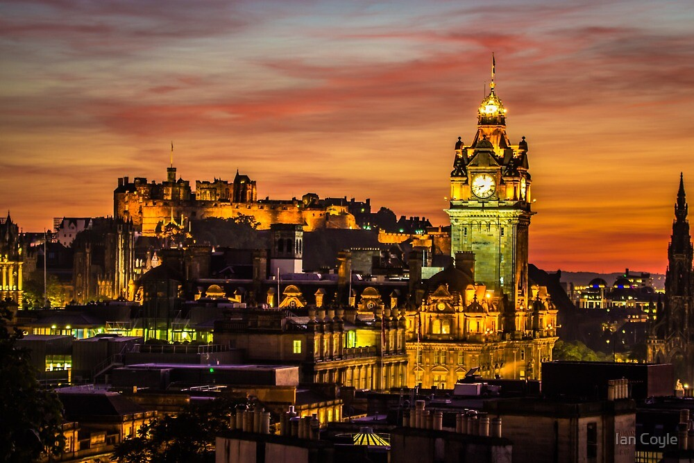 Edinburgh Late Autumn Sunset by Ian Coyle