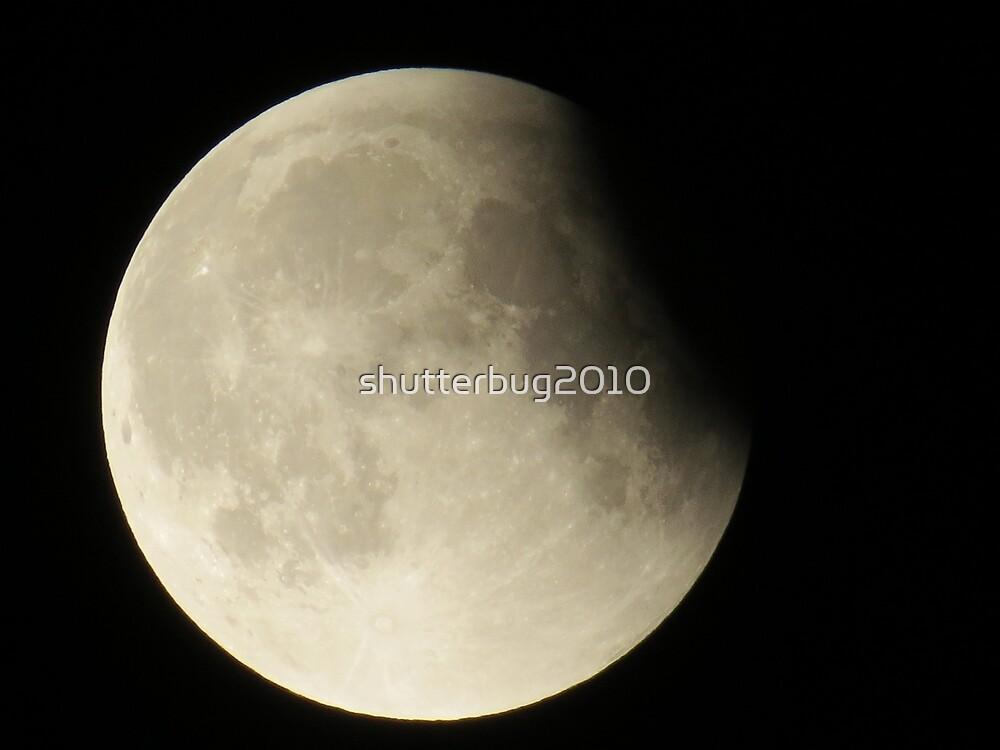 Super Moon Eclipse Grand Finale by shutterbug2010